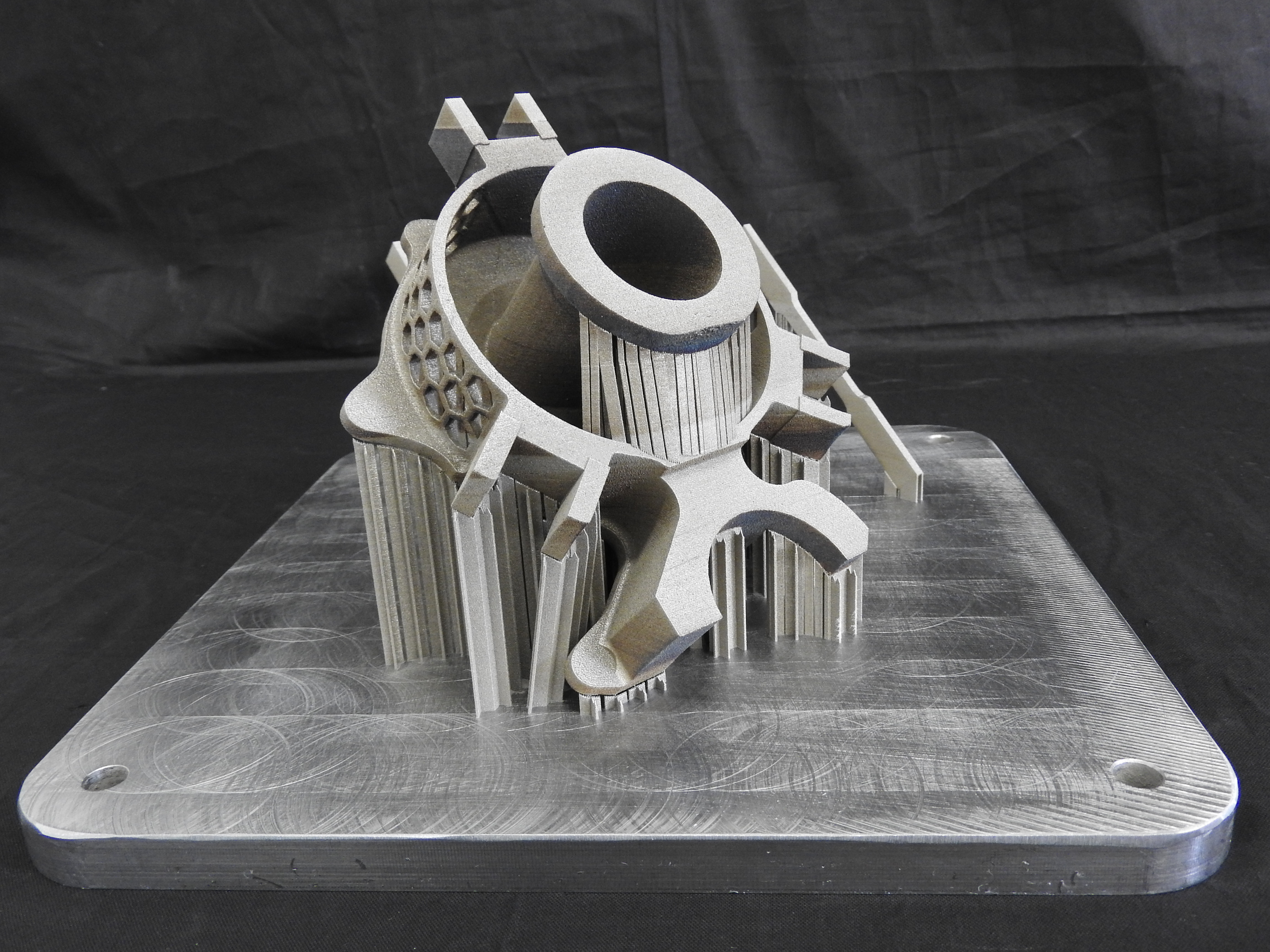 IntegraGreen: Integration of additive manufacturing and machining processes in view of green and sustainable development